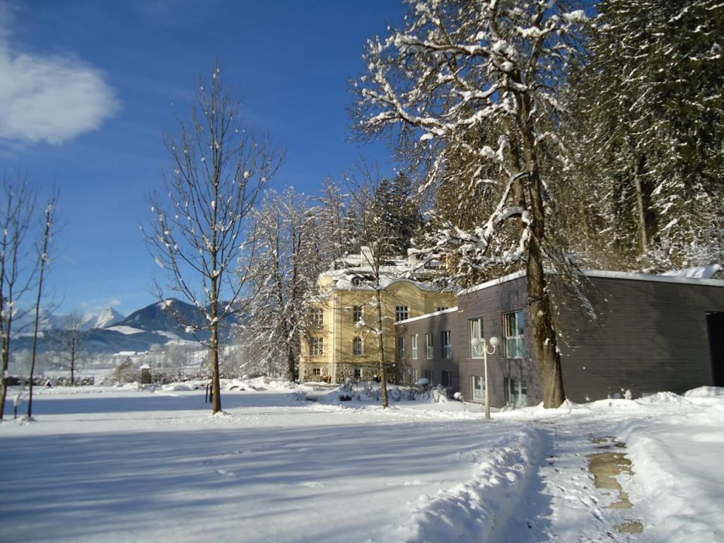 Außenaufnahme Villa Sonnwend im Winter