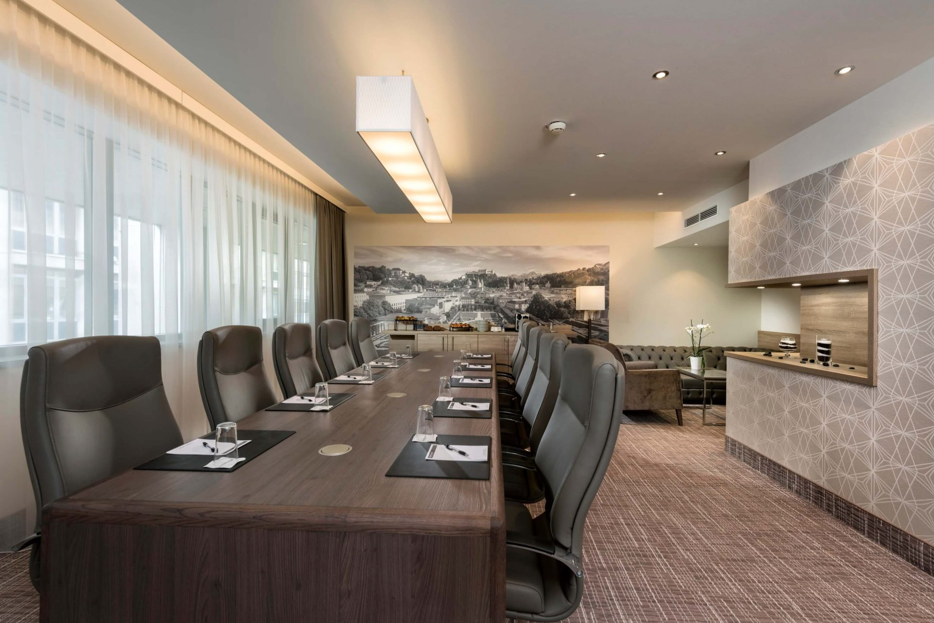 Boardroom-Residenz-Wyndham-Grand-Salzburg-Conference-Centre