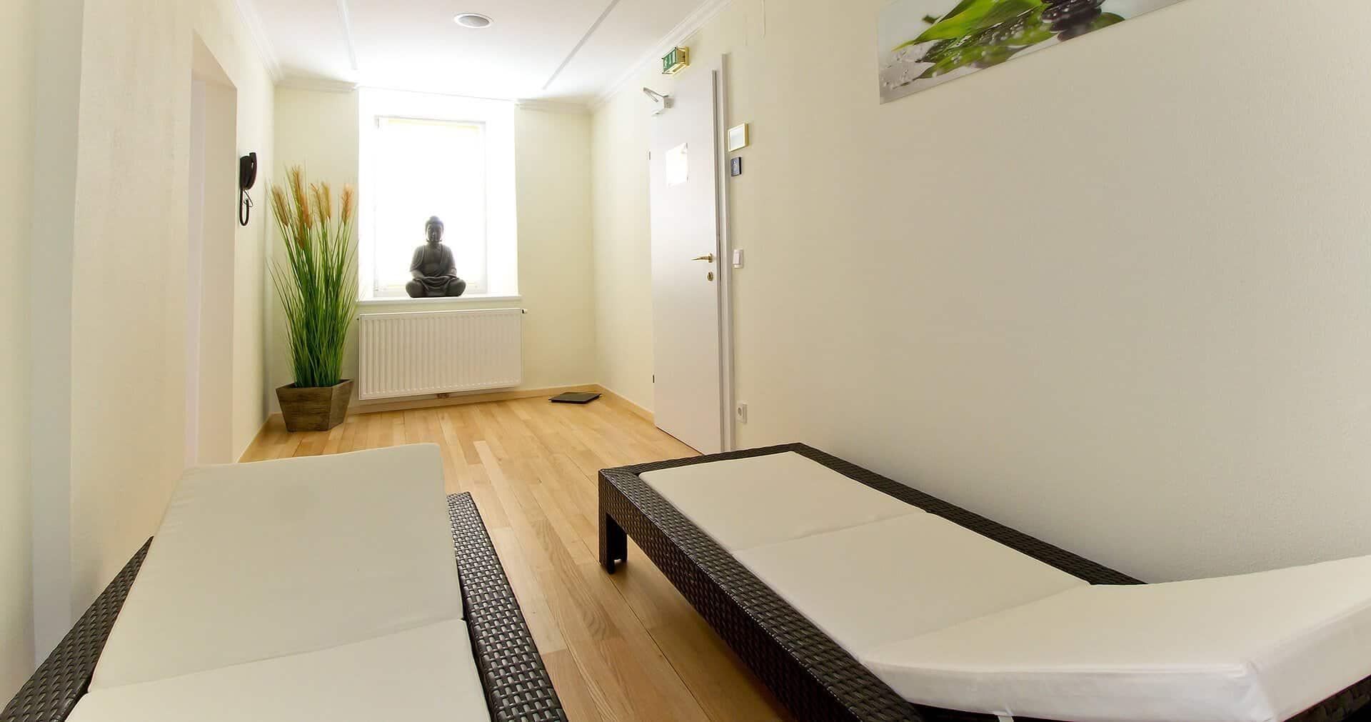Seeböckenhotel zum weissen Hirschen Ruhezone mit Buddha