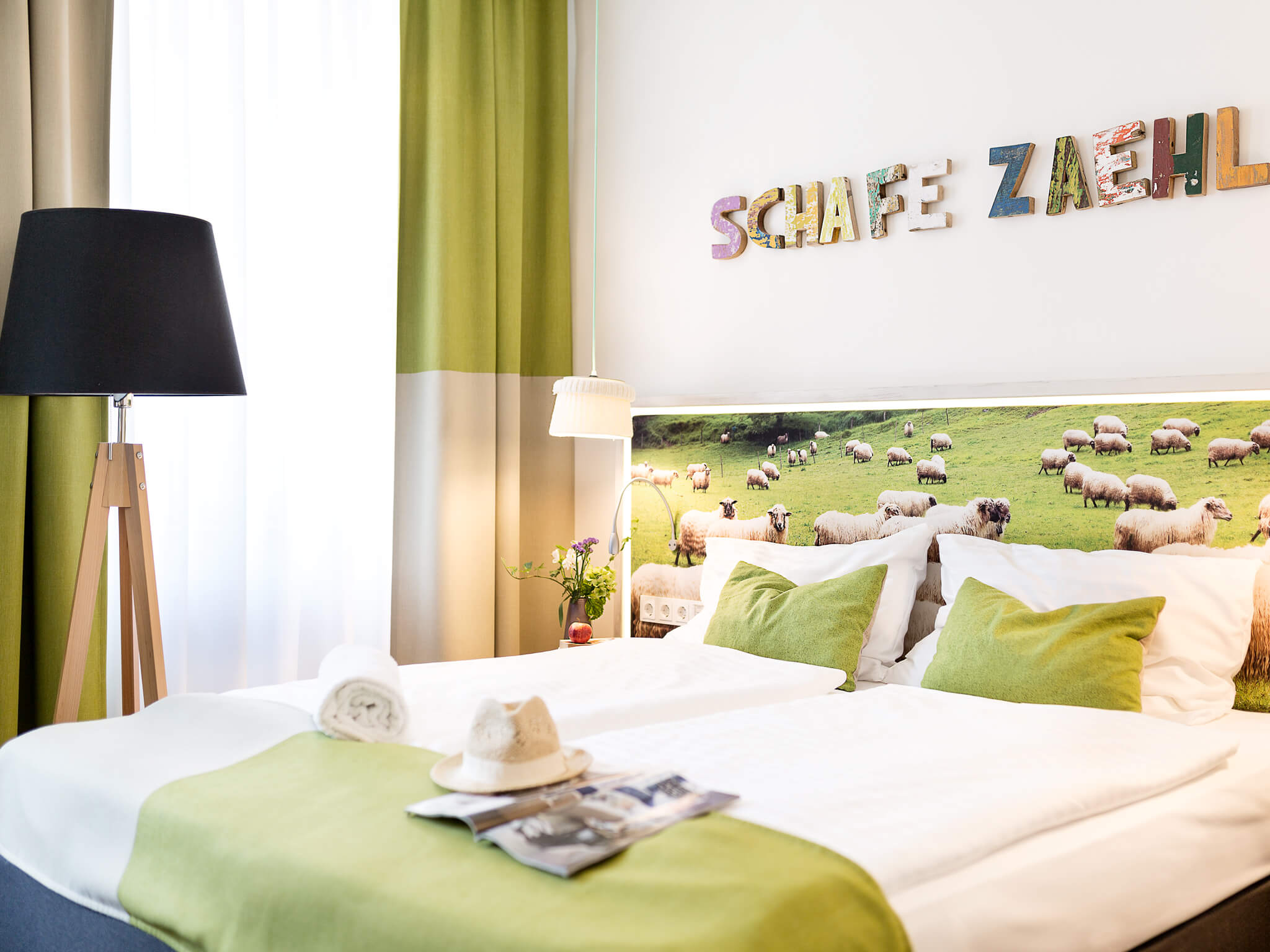 Boutiquehotel Stadthalle Familien Zimmer Upcycling Schafe z+�hlen
