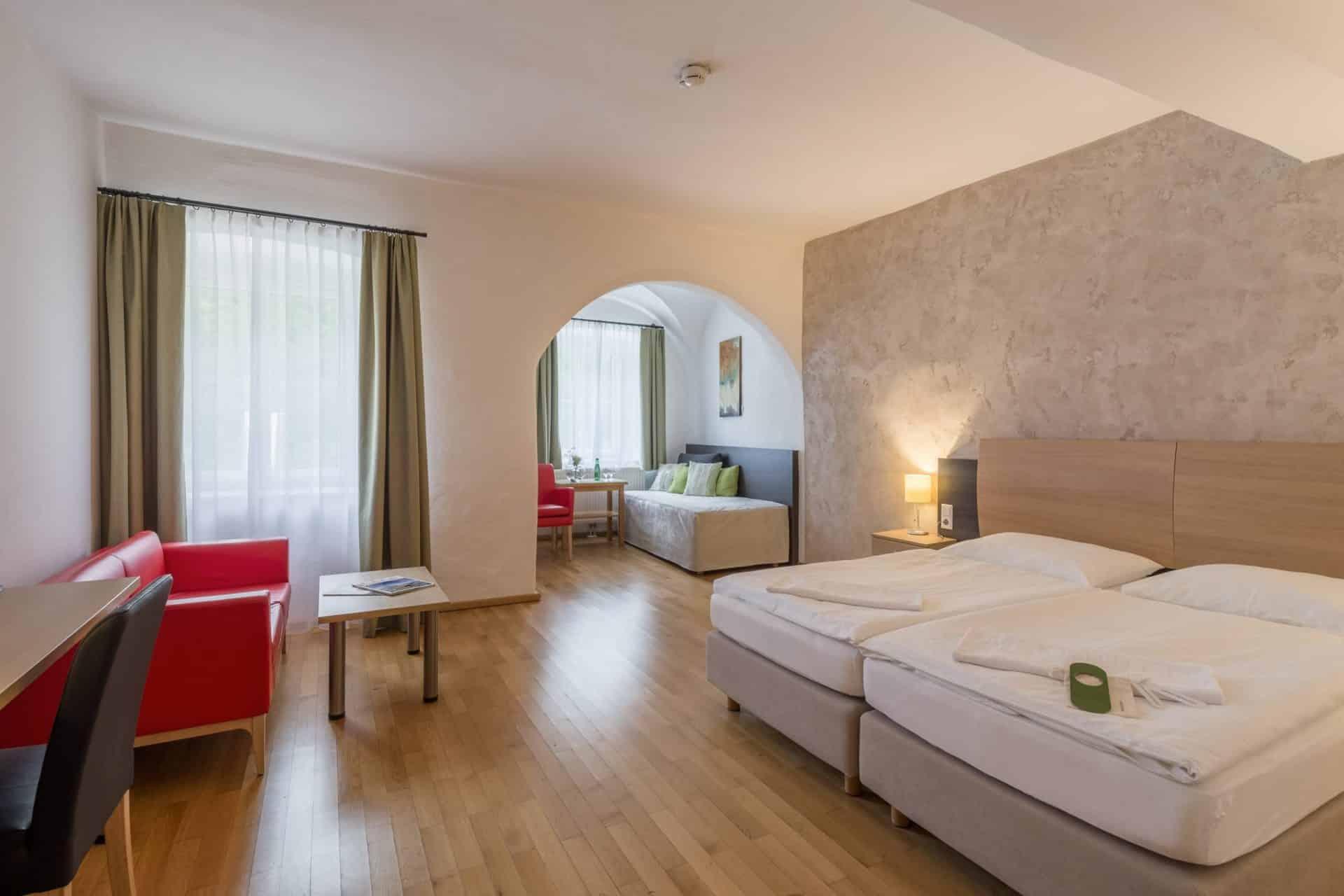 Wesenufer Hotel & Seminarkultur an der Donau Zimmer ©Mark Sengstbratl