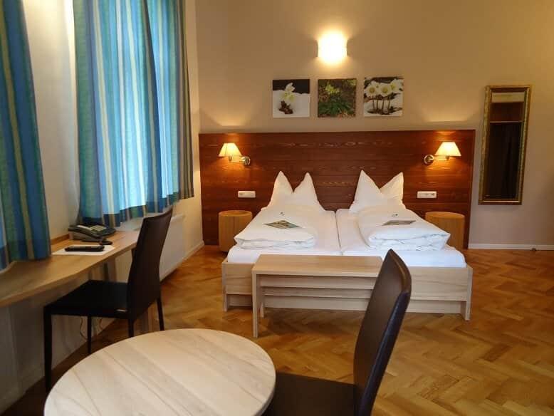 Doppelzimmer Bergblick Villa Sonnwend Nationalpark Lodge