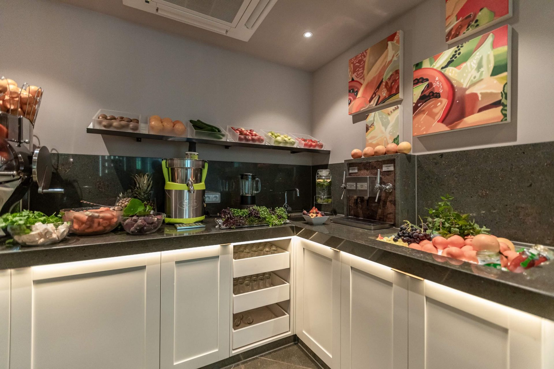 Frisches Obst und Gemüse am Buffet im Juffing Hotel & Spa
