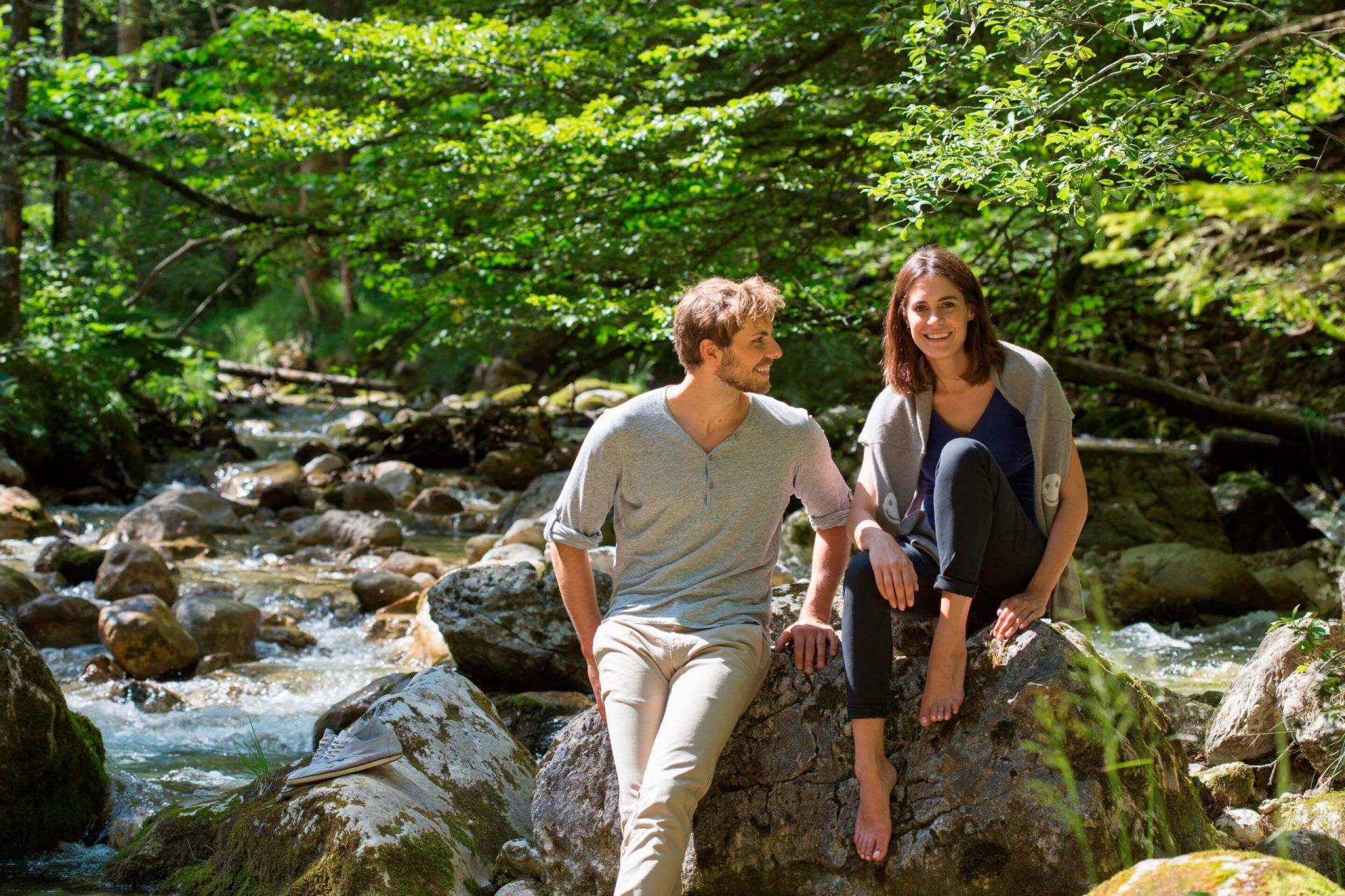 Juffing Paar am Fluss (1)
