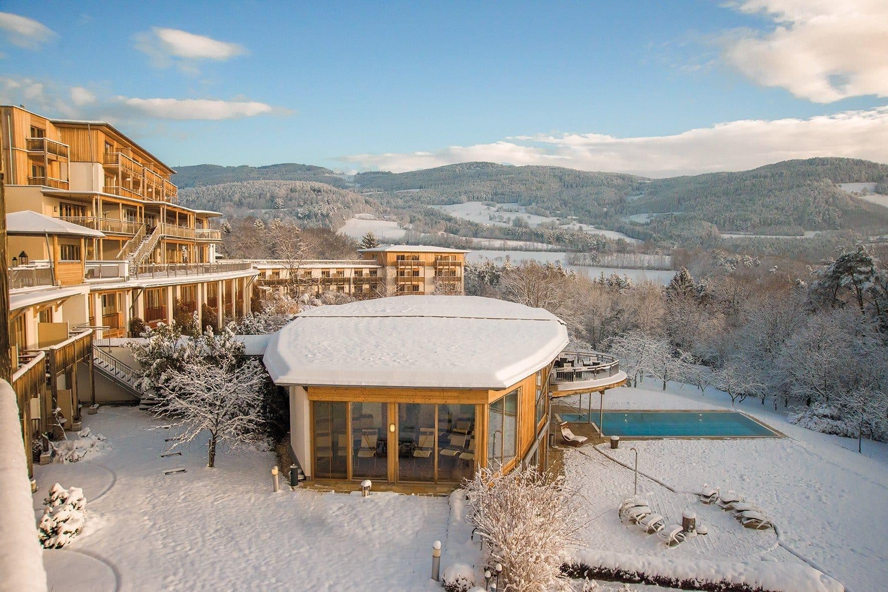 Winteraufnahme-Retter-Hotel-Bio-Restaurant-mit-Weitblick