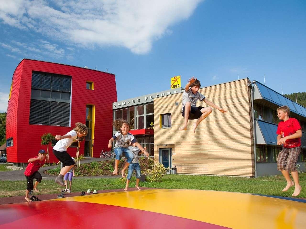 hotelansicht-jufa-hotel-bleiburg-pliberk-sport-resort-kinder-sommer_c_Johannes_Hloch_