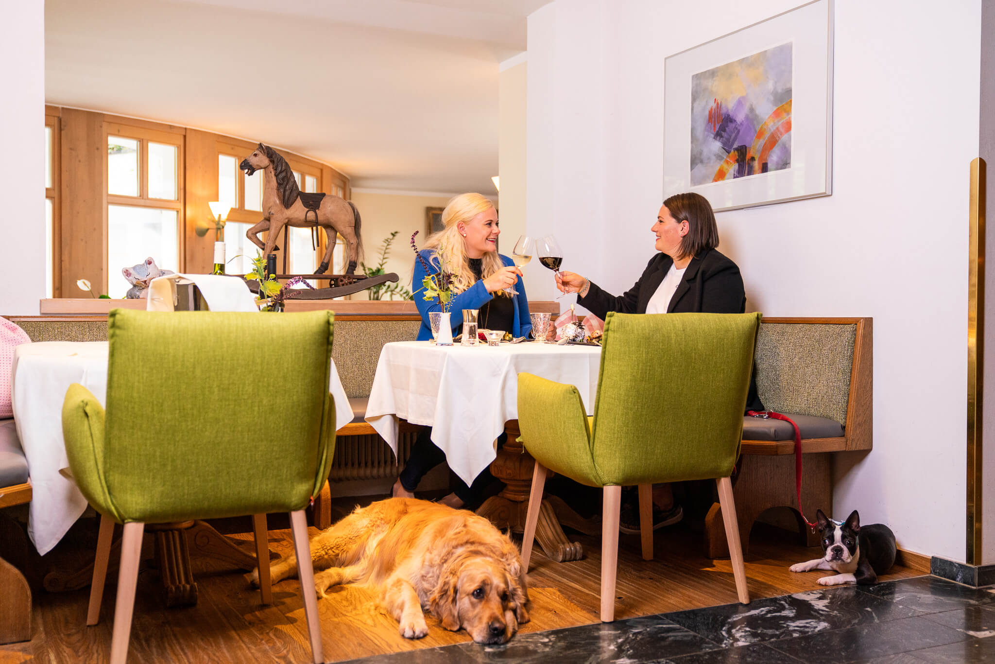 Hotel Eschenhof, Abendessen mit Hund ©gert_perauer