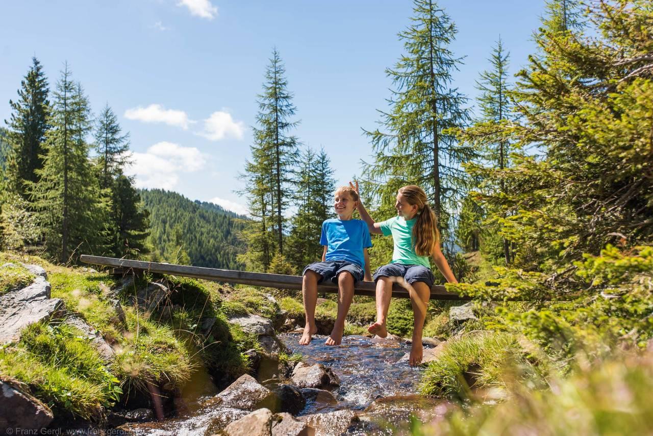 Wandern Familie_FRANZGERDL Natur-Aktiv BKK_Trattlerhof