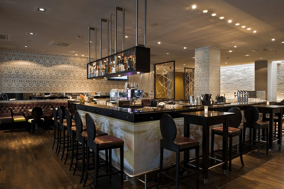 Wyndham Grand Salzburg SAL01-hotel bar1-klein (1)