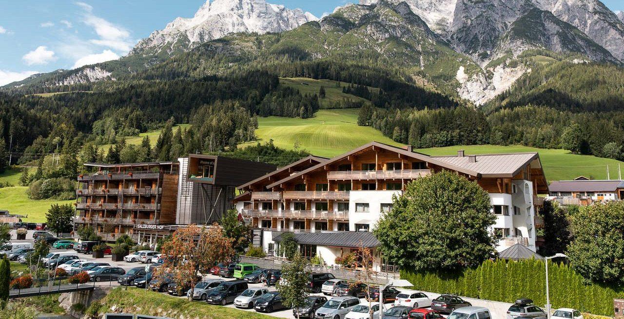 Salzburger Hof Leogang Außenansicht Sommer_Salzburger Hof Leogang Umweltzeichen Hotel